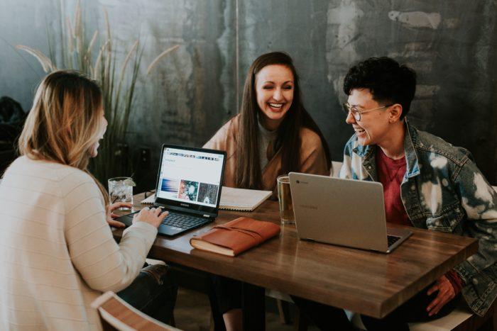 Si të përdorësh targetimin për tu lidhur me përdoruesit në nivel emocional?