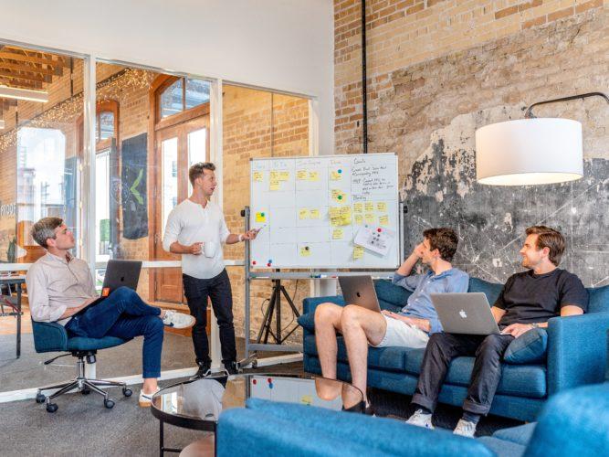 Mbajtja e klientëve ekzistues apo shtimi i klientëve të rinj: çfarë është më e rëndësishme?