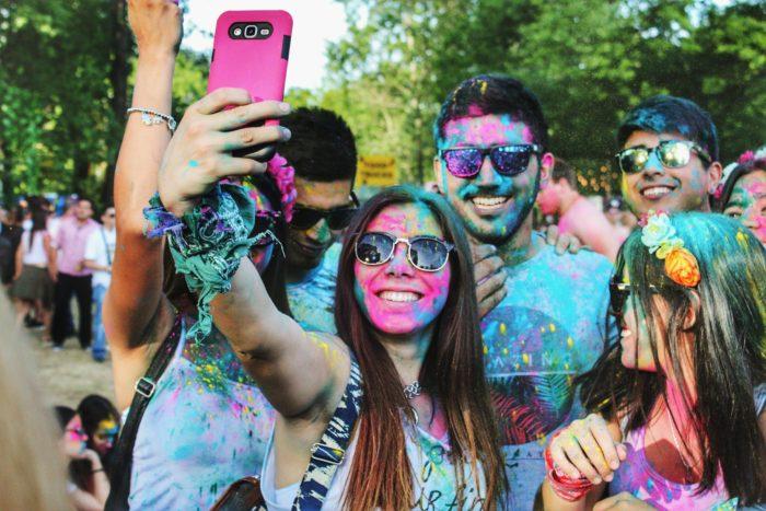 3 mënyra për të përfshirë gjeneratën Y në fushatat e reklamave native