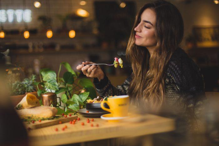 Marketingu i restoranteve: si të tërheqësh njerëz të uritur?