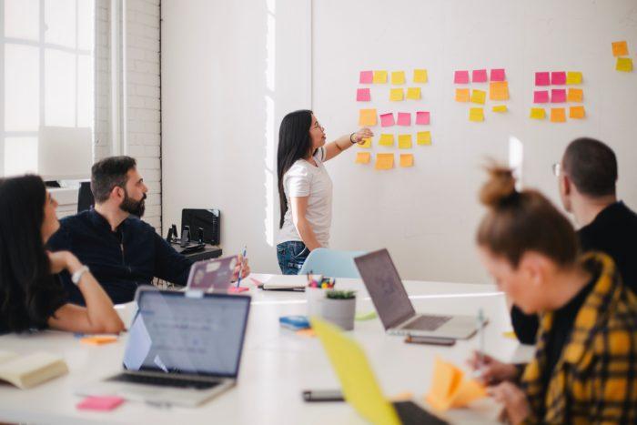 Jeni një kompani e vogël që dëshironi të rriteni? 8 këshillat e marketingut B2C të kontentit që duhet të ndiqni.