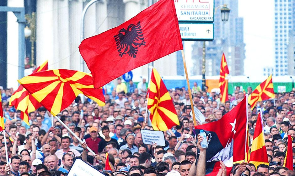 FYROM: Albanians in favour and against the latest proposal for the name