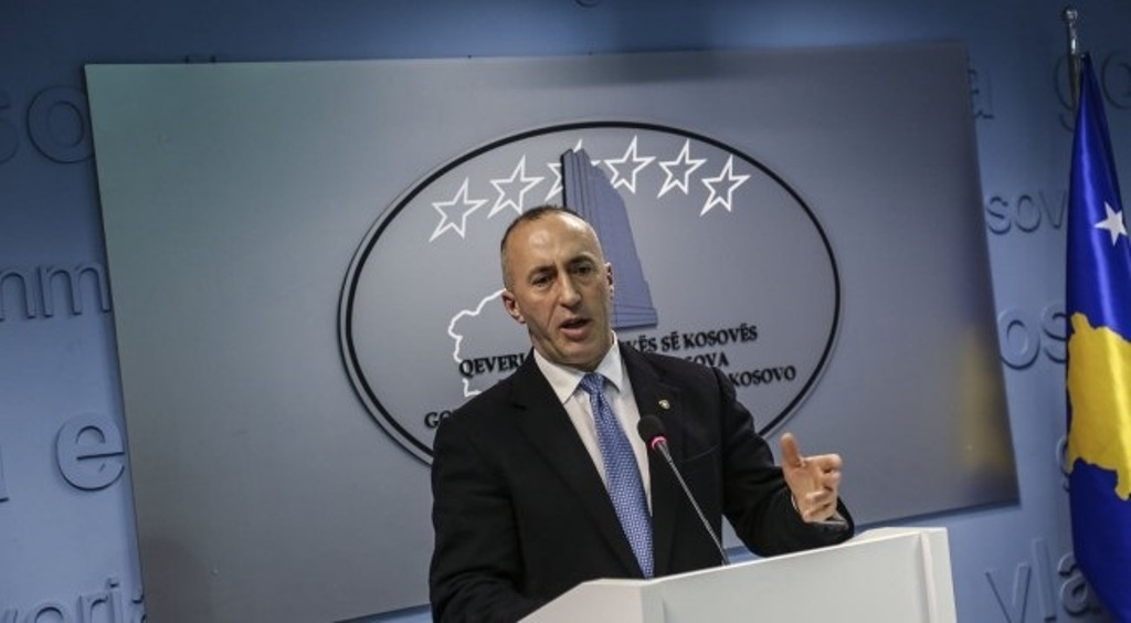 Artists from Kosovo stopped on the Serbian border, PM Haradinaj reacts