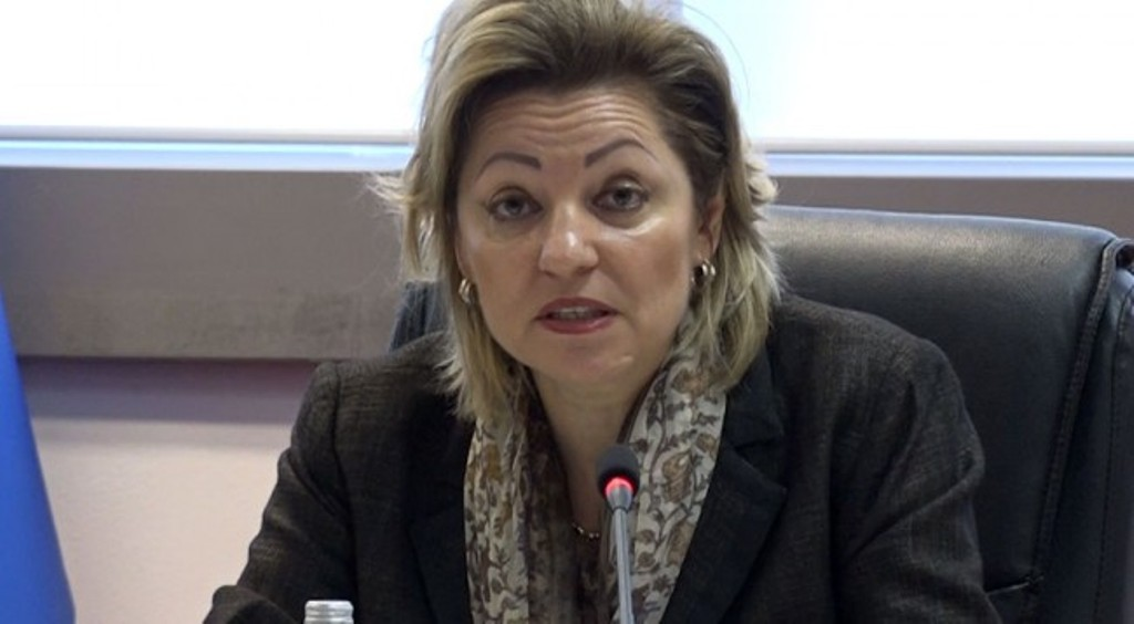 EU ambassador to Pristina urges the government to withdraw its decision to increase salaries for cabinet members
