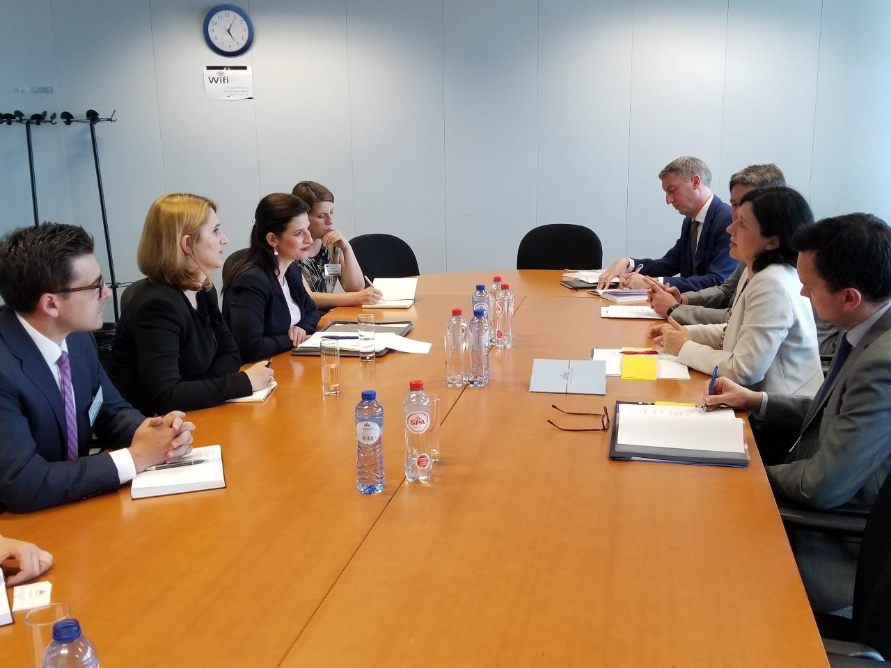 European Commissioner Jourova: Albania has made progress with the reform in justice