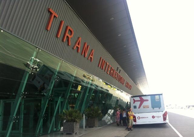 Transporti ajror, tashmë po preferohet  gjithmonë e më shumë nga shqiptarët