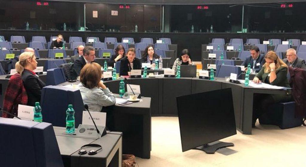 Osmani: Kufijtë e Kosovës nuk duhet të negocioen me Serbinë