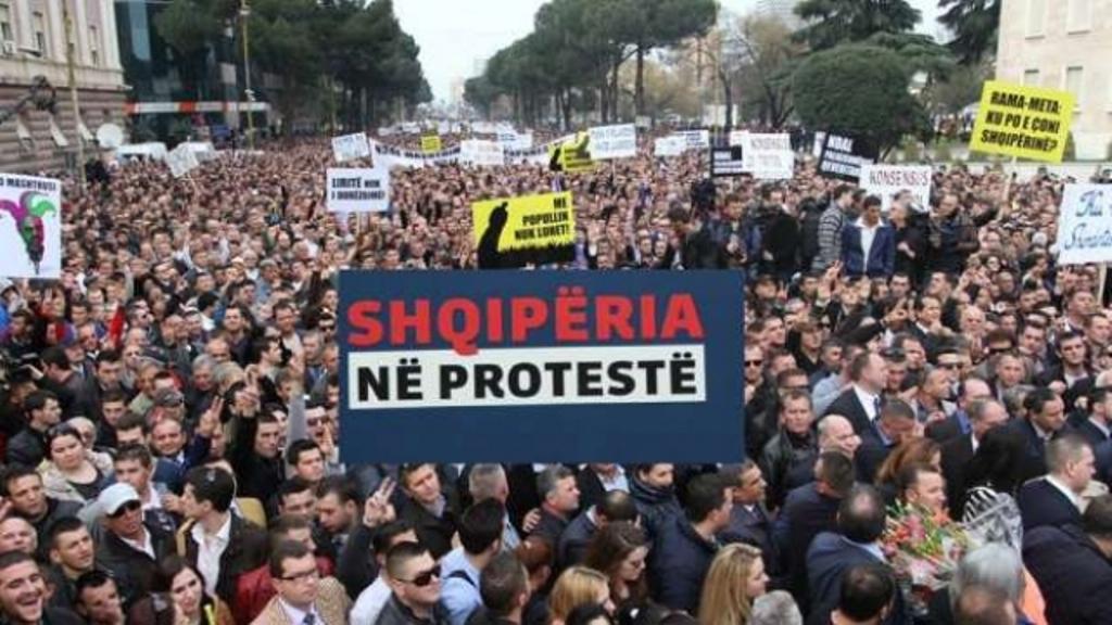SHBA-BE: Protesta është e drejtë absolute, por mos tentoni grusht shteti