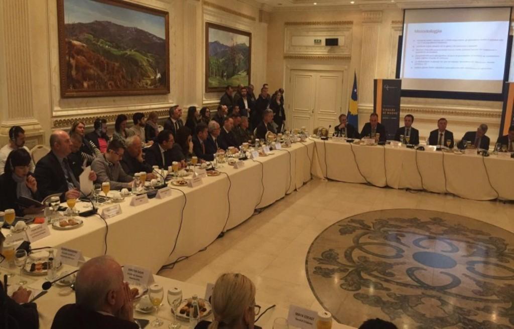 Tre skenarët për arritjen e marrëveshjes Kosovë-Serbi