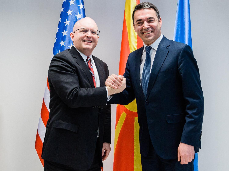 Reeker: Suksesi i marrëveshjes së Prespës është fakt i punës së palodhshme dhe kompromisit midis liderëve