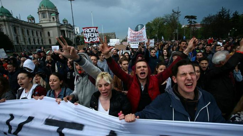 A është e përfshirë Kosova në protestat e opozitës në Beograd?