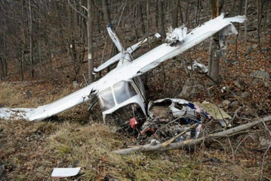 Rrëzohet një avion në Maqedoninë e Veriut, shuhet familja me 4 anëtarë