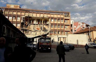 Ndërtimet  e dobëta rrezikojnë Kosovën, një punëtor humb jetën në Mitrovicë