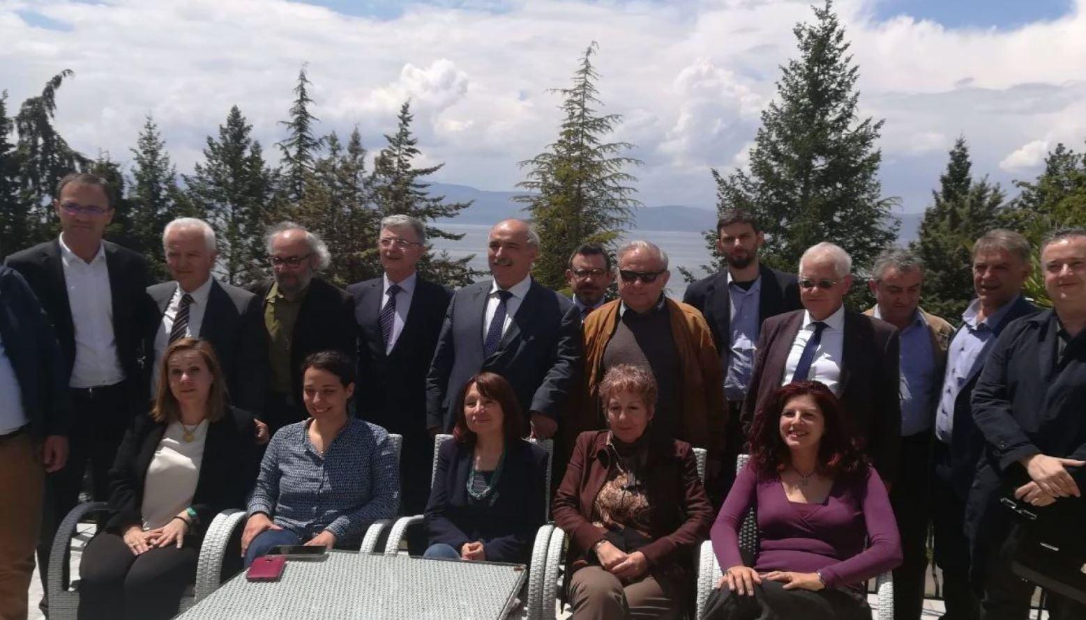 Ekspertë maqedonas dhe grekë në Ohër për temat e historisë, arsimit dhe arkeologjisë