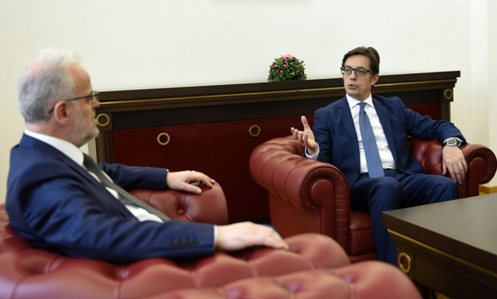 Pendarovski takoi kryeparlamentarin Xhaferi, në fokus agjenda evropiane