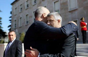 Presidenti i Kosovës kërkon bashkim kombëtar me Shqipërinë