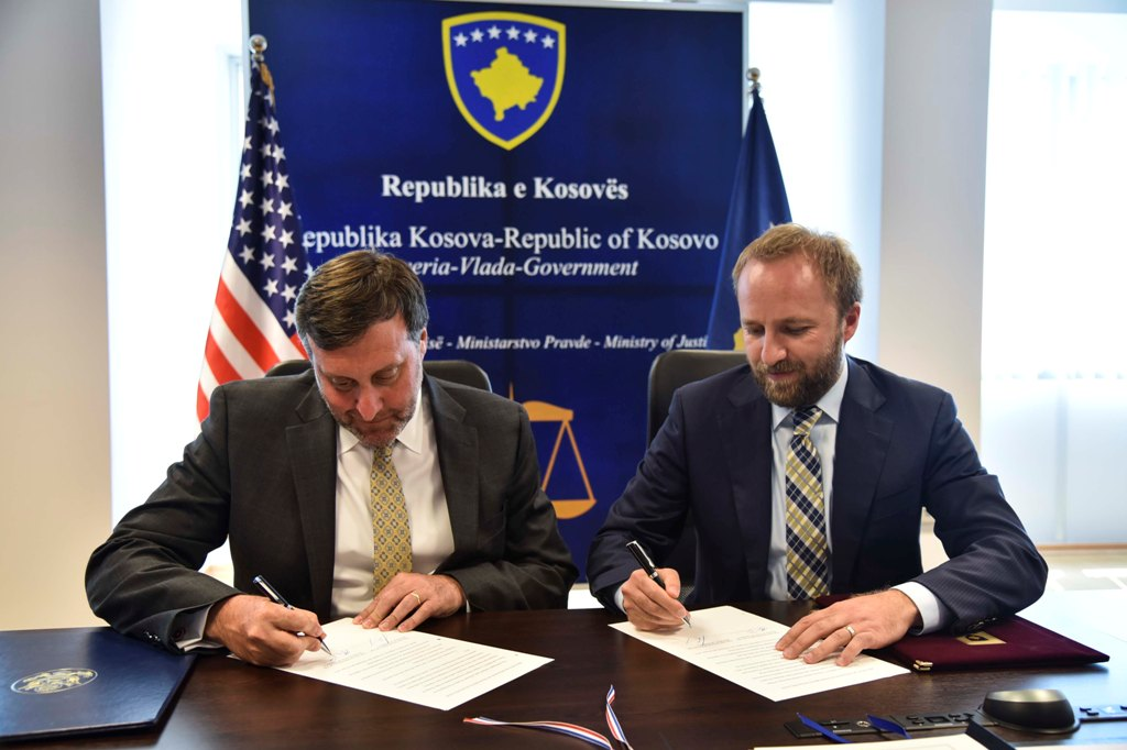 Kosova dhe SHBA nënshkruan protokollin për marrëveshjen e ekstradimit mes dy vendeve
