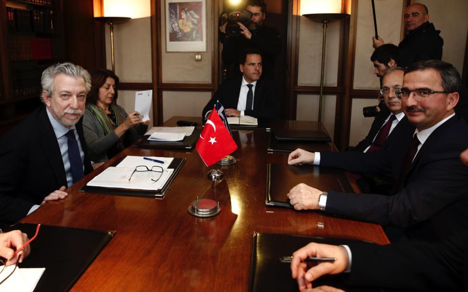 Νέο αίτημα έκδοσης των 8 Τούρκων στρατιωτικών κατατέθηκε από τις τουρκικές αρχές.