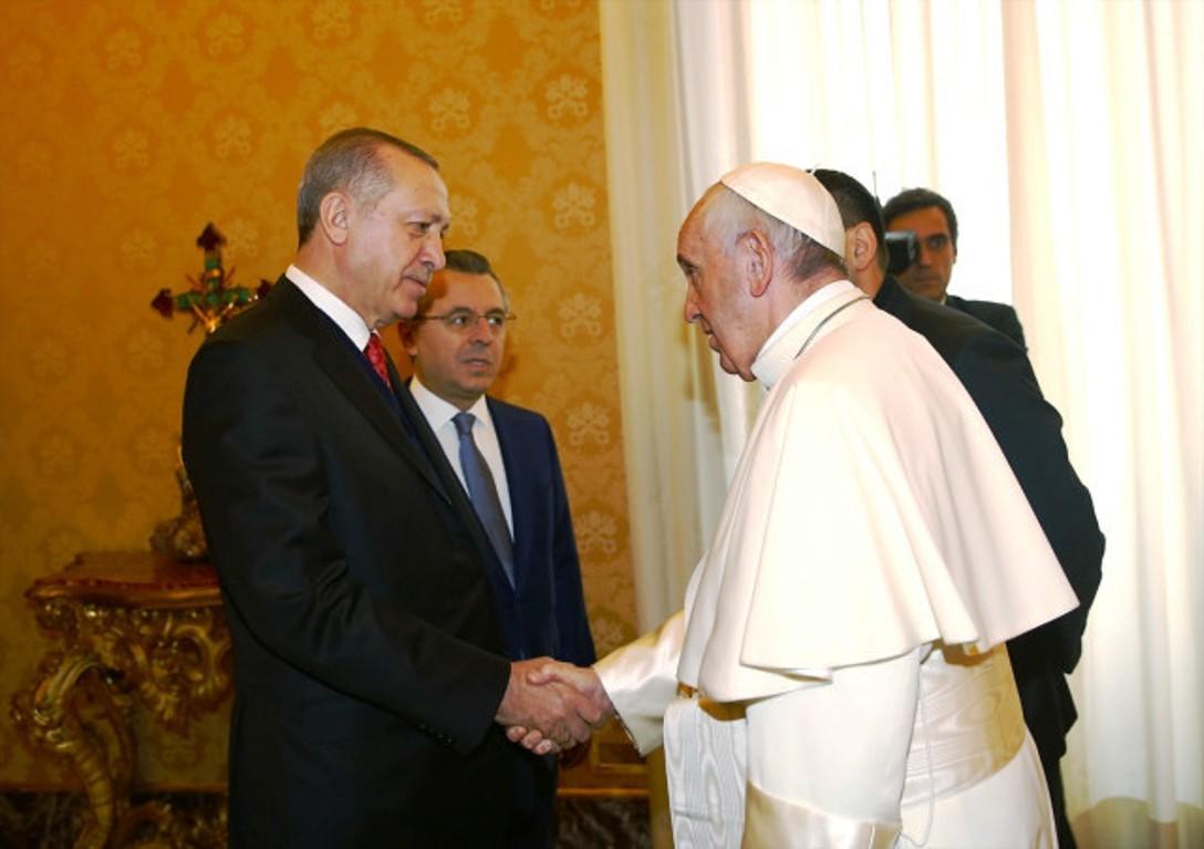 Ο Erdogan συναντήθηκε με τον Πάπα