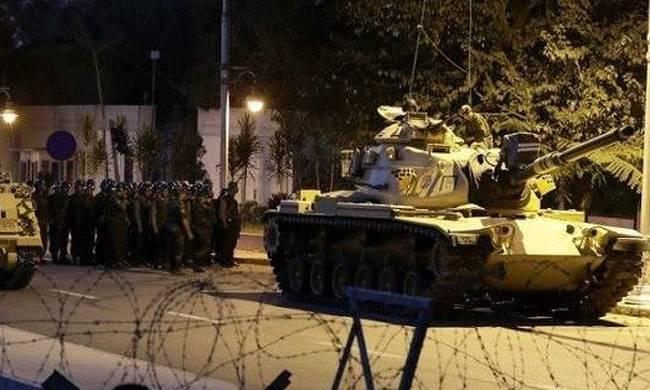 Ισόβια σε 64 στρατιωτικούς για το πραξικόπημα