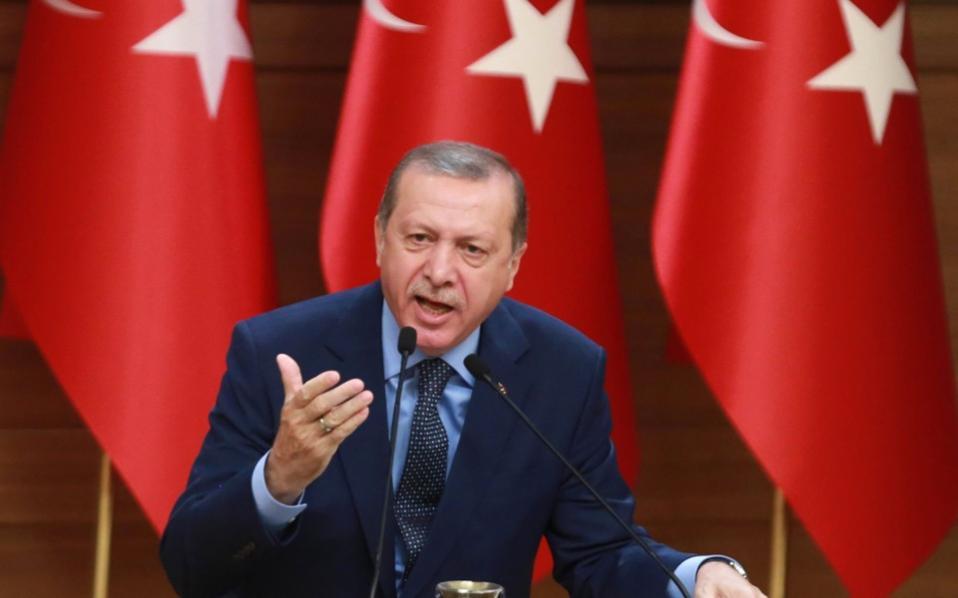 O Εrdogan καλεί τον τουρκικό λαό σε ετοιμότητα για επιστράτευση