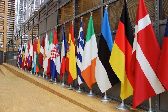 """Ενέργεια: Τελικά, πού θα """"κοιτάξουν"""" τα Βαλκάνια, ανατολικά ή δυτικά;"""
