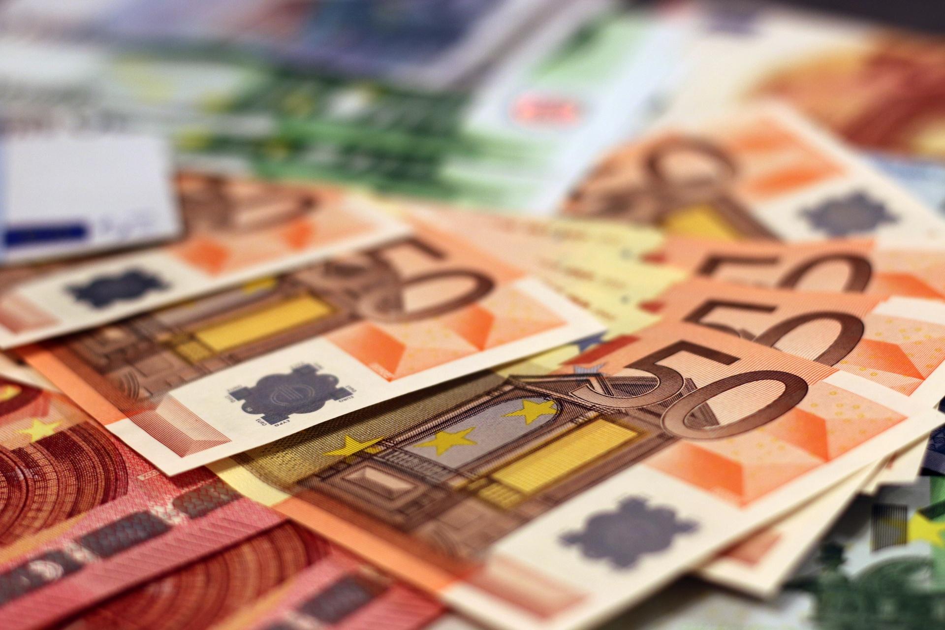 Νέα μείωση του ELA κατά 3,2 δισ. ευρώ