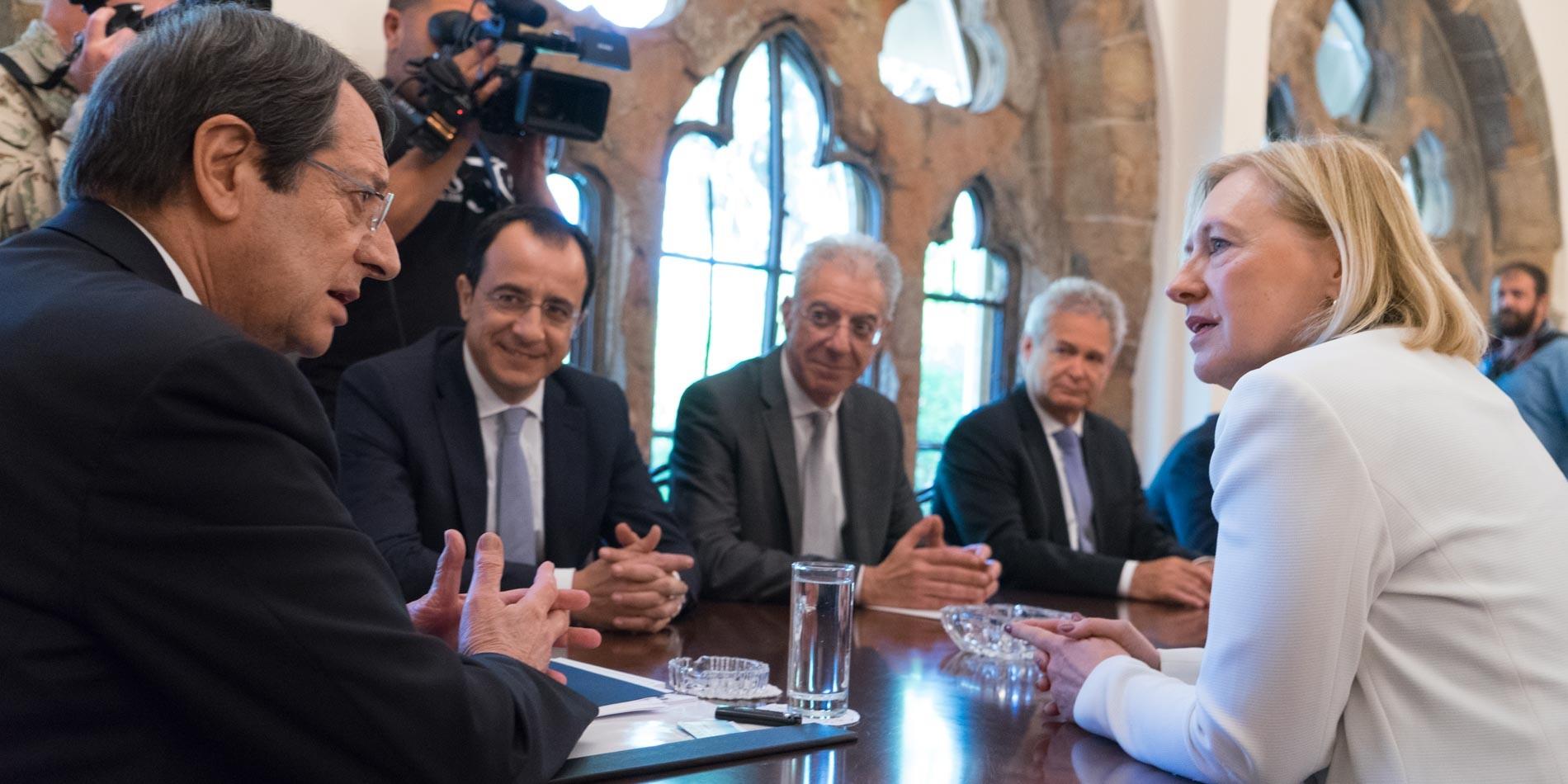 Ο ΠρόεδροςΑναστασιάδης δέχθηκε την Ειδική Αντιπρόσωπο του ΓΓ του ΟΗΕ στην Κύπρο