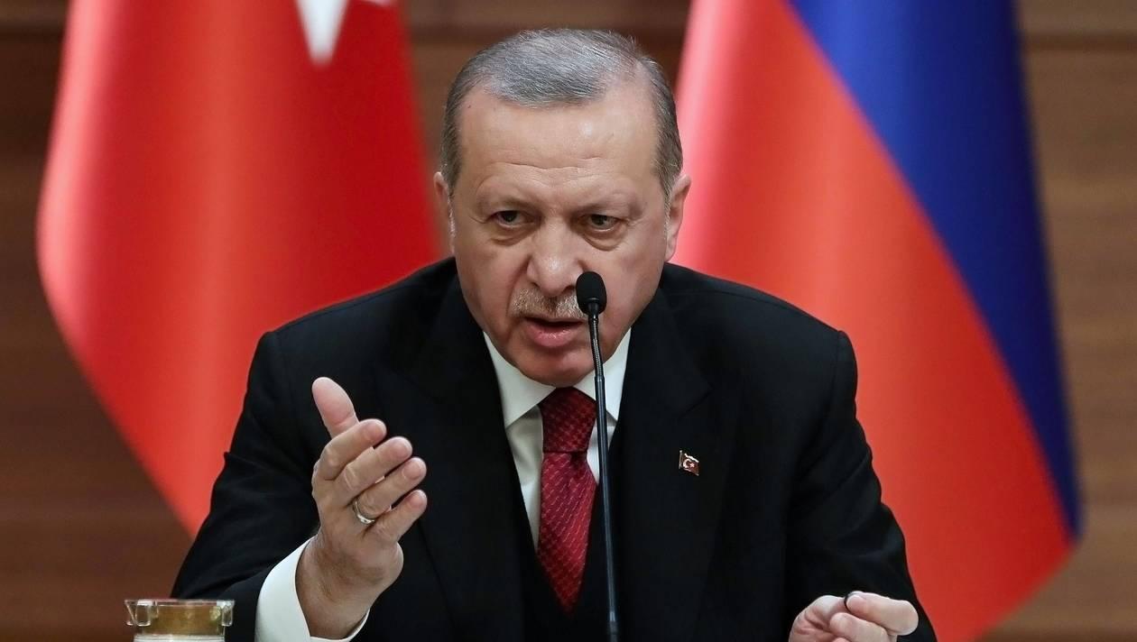 Erdogan προς ξένους οίκους: «Η Ελλάδα δεν πληρώνει μισθούς, έχει χρεοκοπήσει, αλλά της δίνουν δάνεια»