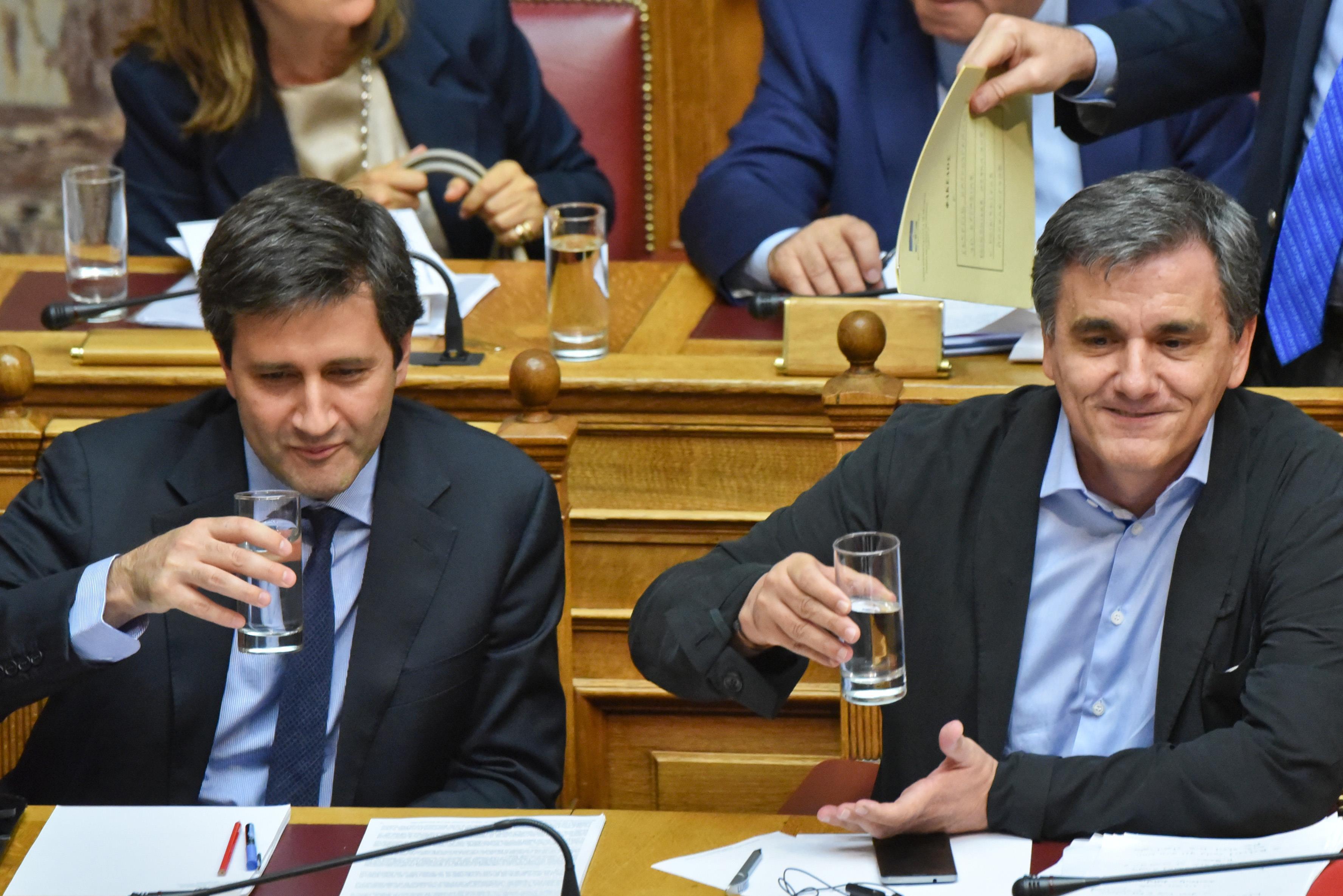Τι κερδίζει η Ελλάδα από τη Συμφωνία για το ελληνικό χρέος