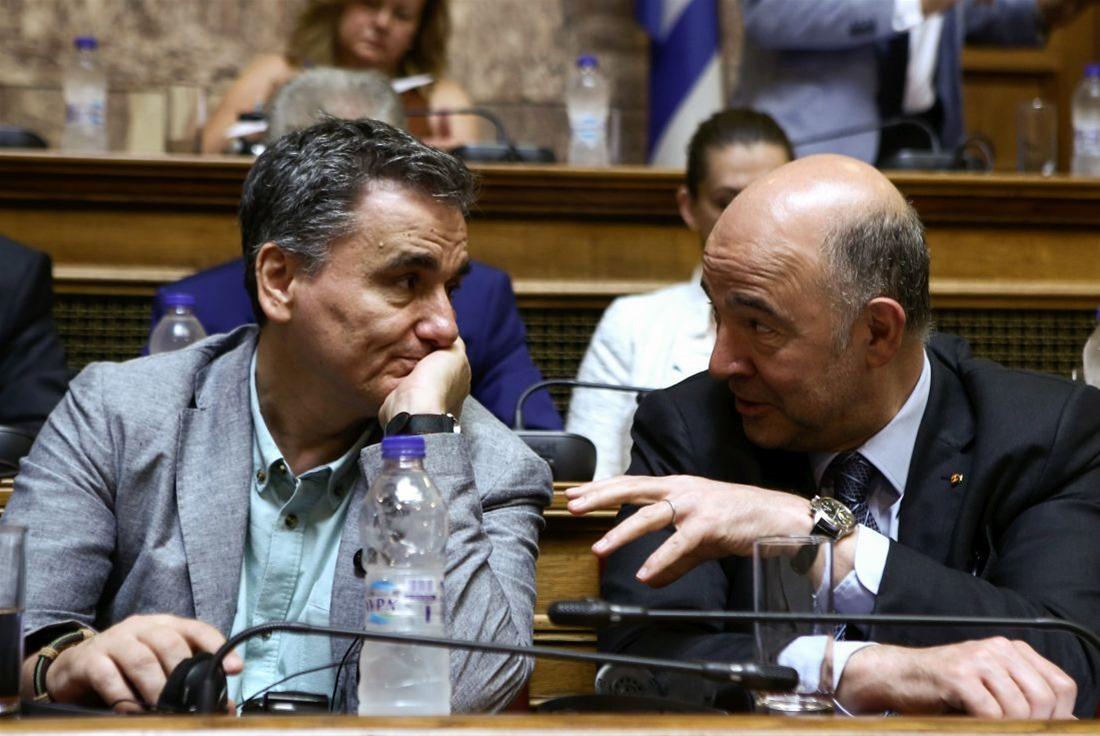 «Παράθυρο» Moscovici για μη εφαρμογή της μείωσης των συντάξεων