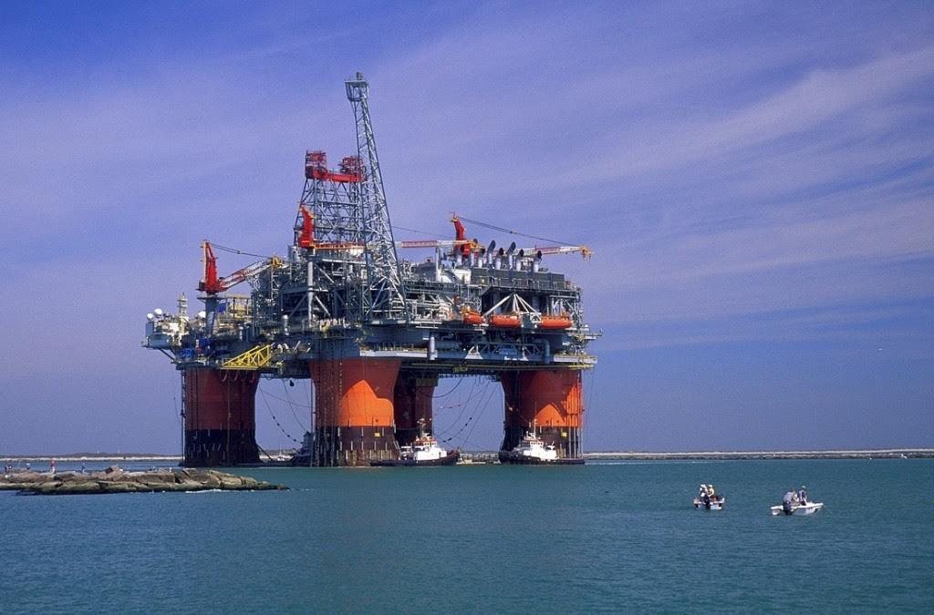 Ανατροπή σκηνικού στην Ρουμανία: Νέος νόμος «τινάζει» στον αέρα τις έρευνες πετρελαίου
