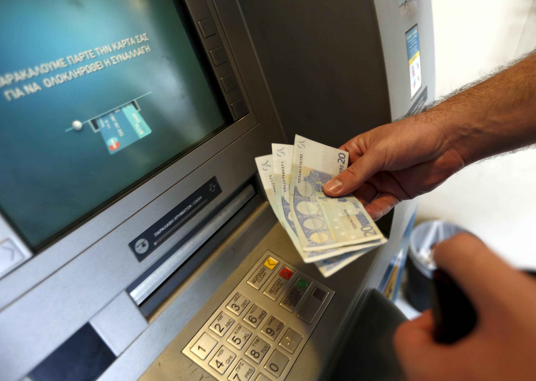 Τέλος τα capital controls στις αναλήψεις μετρητών