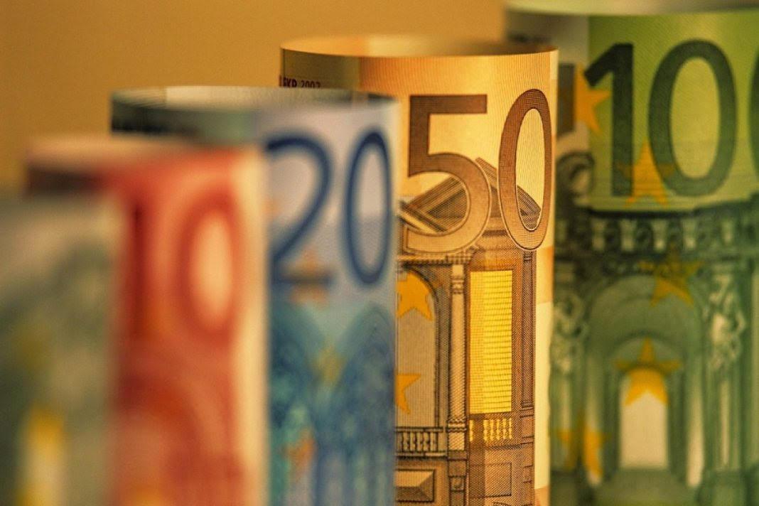 Κοινωνικό μέρισμα έως 1 δισ. από την ελληνική κυβέρνηση
