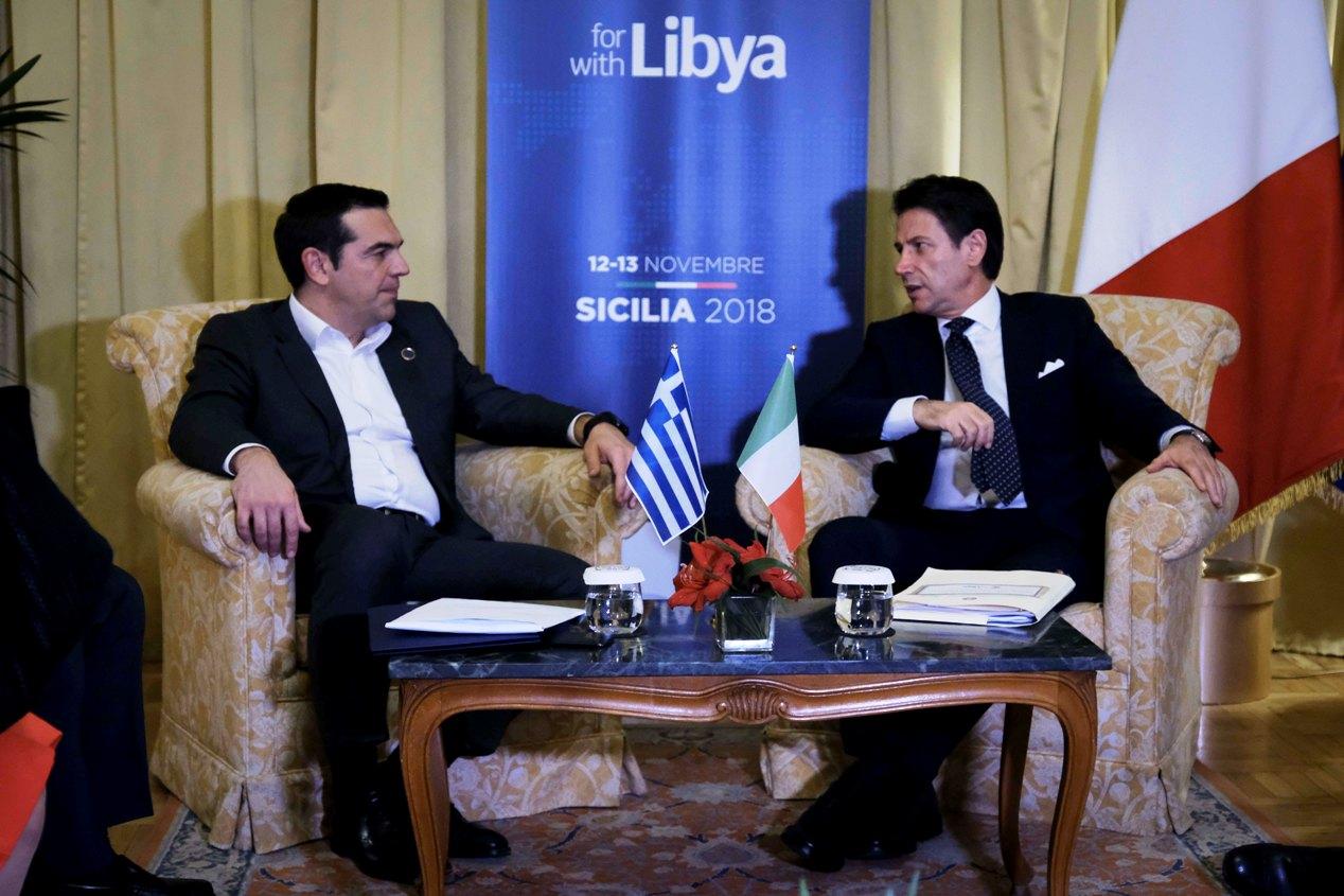 Διμερή και περιφερειακά θέματα συζήτησαν Τσίπρας και Conte