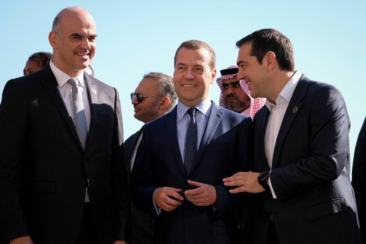 Με Sisi και Medvedev συζήτησε ο Τσίπρας στο Παλέρμο