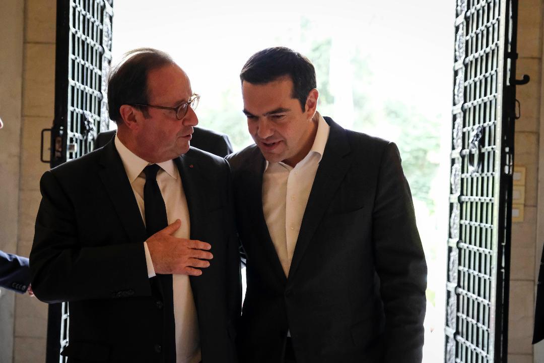 Tσίπρας και Ολάντ για τις προκλήσεις που αντιμετωπίζει η Ευρώπη