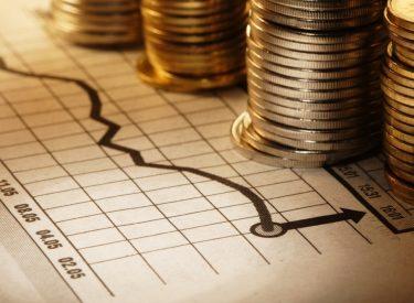Ελλάδα: Ανάπτυξη 4,1% το 2021 και 6% για το 2022, προβλέπει η Ευρωπαϊκή Επιτροπή στην εαρινή της έκθεση