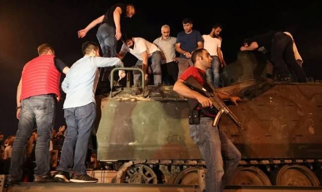 Τρις ισόβεια ζητάει ο Τούρκος εισαγγελέας για τους 8 Τούρκους αξιωματικούς που βρίσκονται στην Ελλάδα