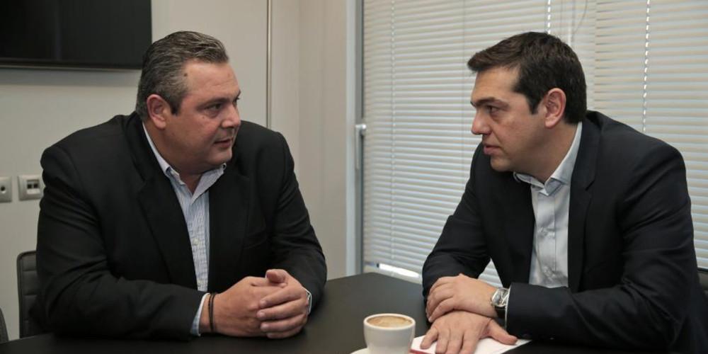 """Προσωρινή """"λήξη συναγερμού"""" στο κυβερνητικό στρατόπεδο στην Αθήνα"""
