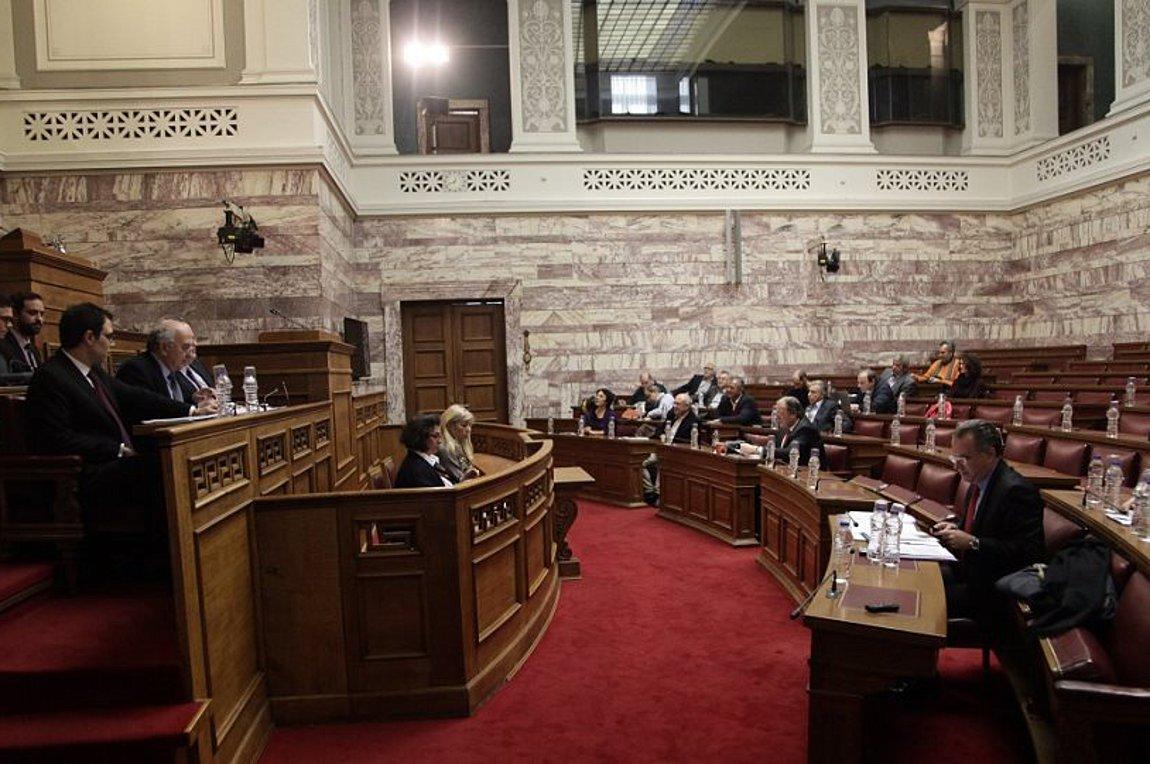 Εγκρίθηκε από την επιτροπή, αύριο στην ολομέλεια η Συμφωνία των Πρεσπών