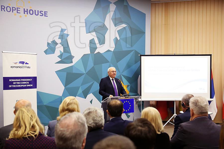 Η Ρουμανία υποστηρίζει την ενσωμάτωση της Αλβανίας στην ΕΕ
