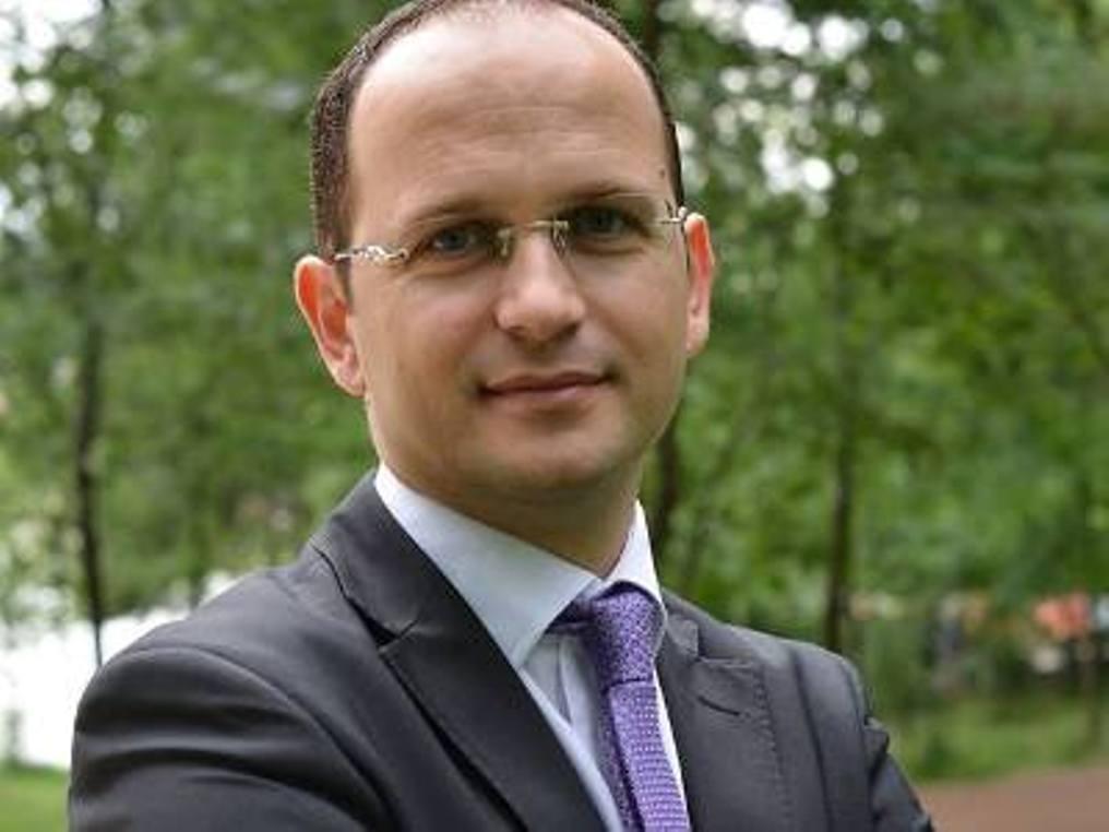 Ο πρώην Αλβανός ΥΠΕΞ αρνείται να κατέβει υποψήφιος για το δεύτερο μεγαλύτερο δήμο της χώρας