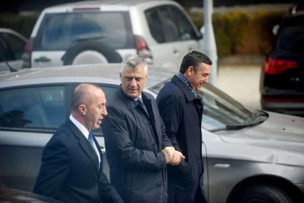Οι ηγέτες του κράτους στο Κοσσυφοπέδιο πραγματοποιούν επείγουσα συνάντηση για το διάλογο με τη Σερβία