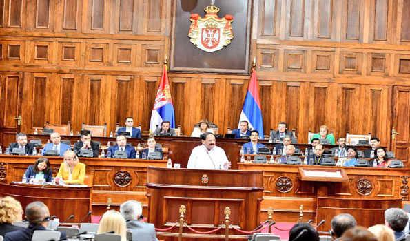 Κόμματα της σερβικής αντιπολίτευσης μποϊκοτάρουν τις κοινοβουλευτικές διαδικασίες