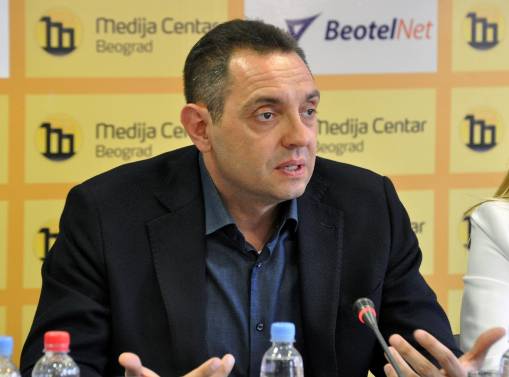 """Τα Σκόπια δρουν σαν """"κέντρο πληροφοριών εναντίον της Σερβίας"""", λέει υπουργός της Σερβίας"""