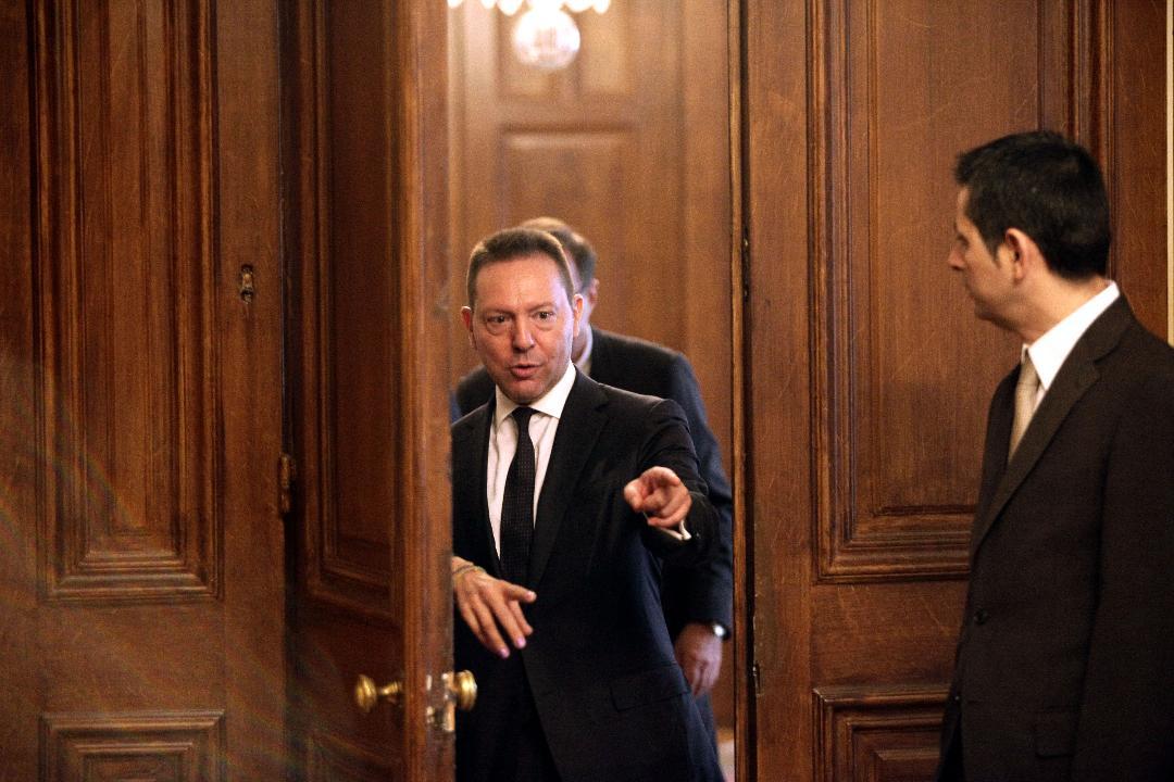 """Στο """"κόκκινο"""" η πολιτική ένταση στην Αθήνα με αφορμή την κόντρα Πολάκη-Στουρνάρα"""