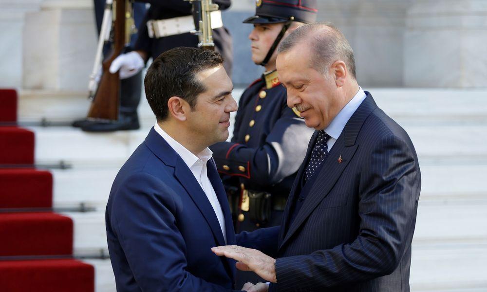 """Τσαβούσογλου: """"Με τον Τσίπρα συζητήσαμε όλα το προβλήματα αφού η Τουρκία προστάτεψε όλα της τα δικαιώματα στο Αιγαίο"""
