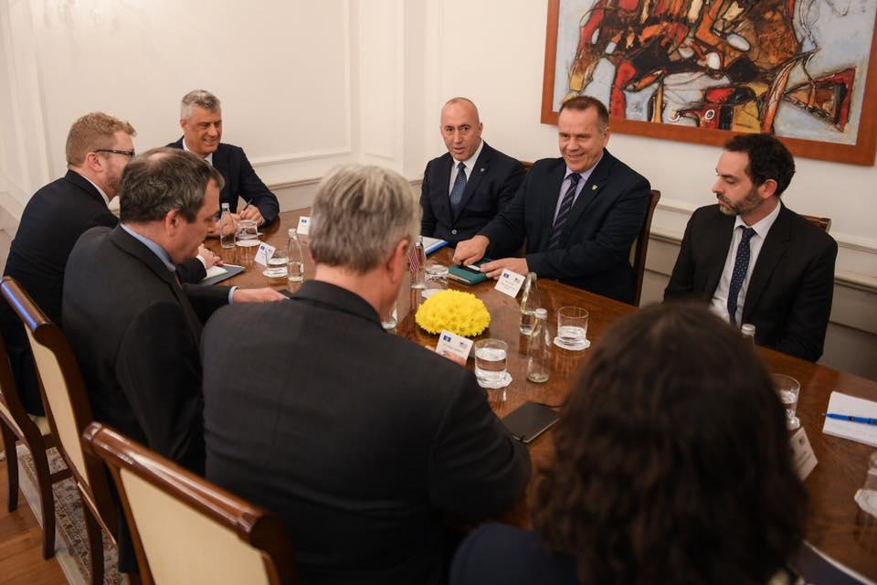 Οι ΗΠΑ προτρέπουν το Κοσσυφοπέδιο και τη Σερβία να συνεχίσουν το διάλογο
