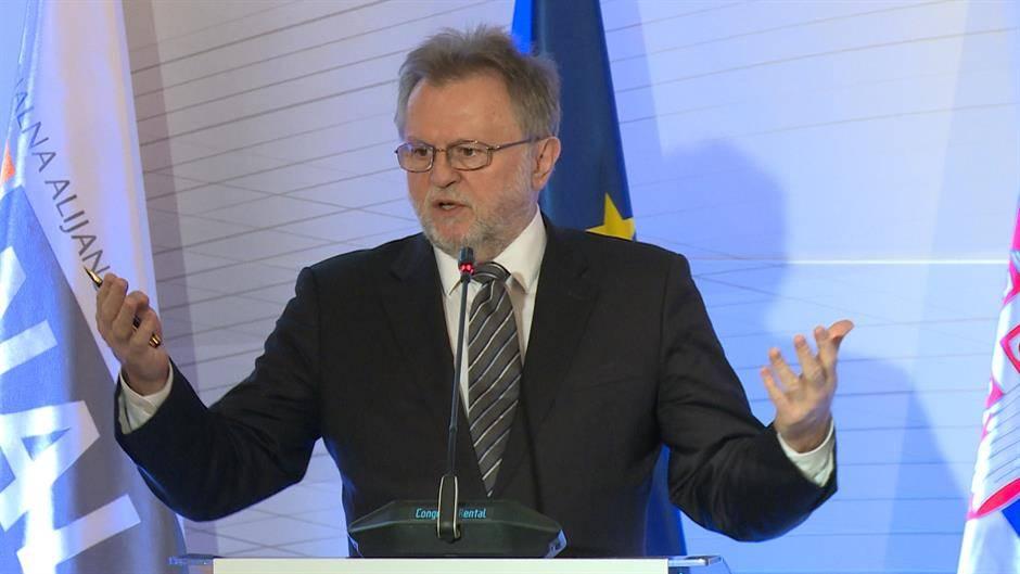 Η Σερβία θα μπορούσε να φτάσει στο επίπεδο χωρών της ΕΕ σε… 185 χρόνια, λέει πρώην υπουργός